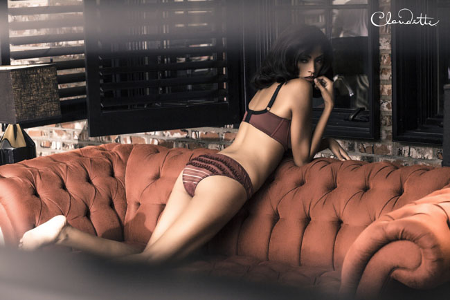 Sophia Icon Padded Bra with Ruffle Back Panty in Oxblood