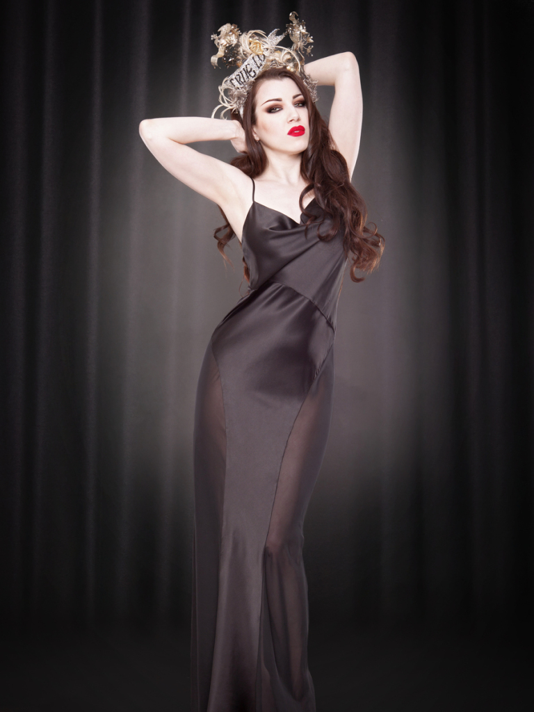 Kiss Me Deadly Grace Gown, S-XL (pre-order)