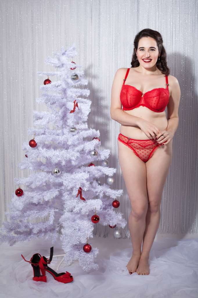 Sweet Nothings reviews Tutti Rouge Fifi collection. Photo: Studio Rezin
