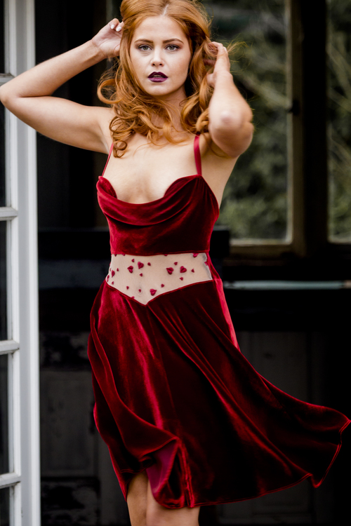 Evgenia Lingerie Rebelle Short Gown in Rouge