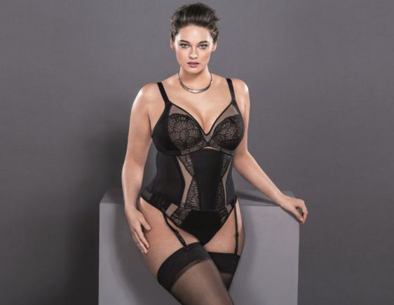 Elomi Kiki Plunge Bra, Brief, and Waist Cincher