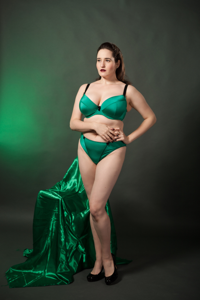 Sweet Nothings reviews Wellfitting Liftsational Extra Deep Plunge Bra in Jade. Photo (c) Studio Rezin