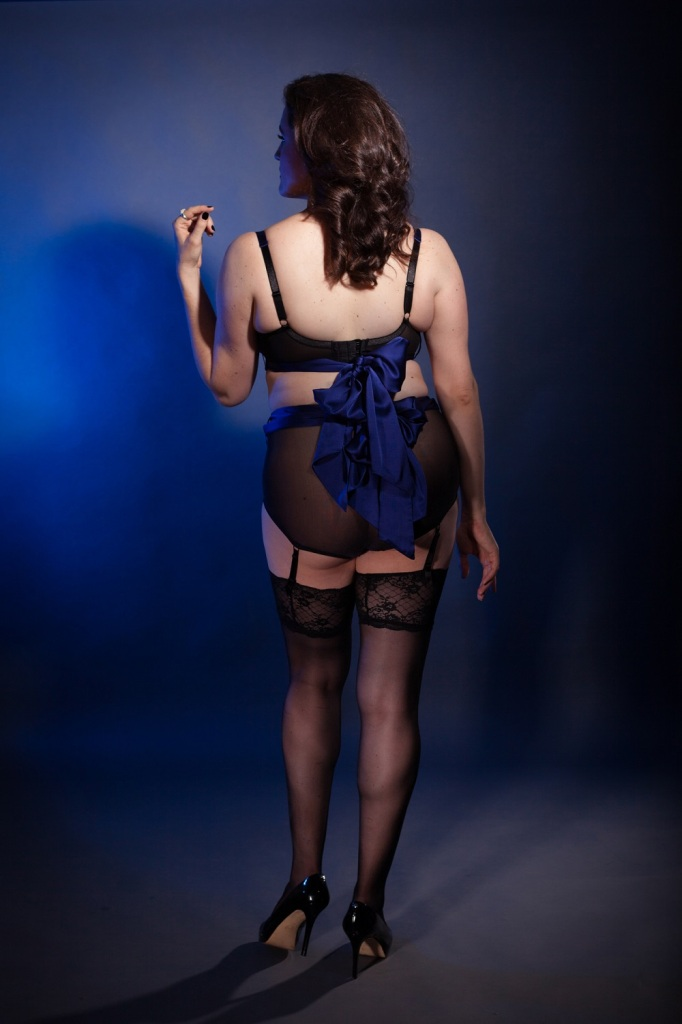 Sweet Nothings reviews bespoke Katherine Hamilton Intimates 'Sophia'. Photo: (c) Michi Rezin