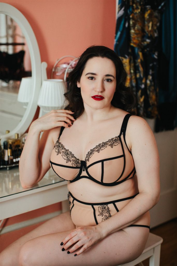 Sweet Nothings wears Elomi Tori Bra. Photo (c) Sylvie Rosokoff