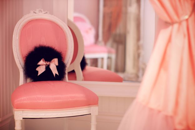 A dressing room at Faire Frou Frou in Studio City, California.  Photograph by MakingMagique.com