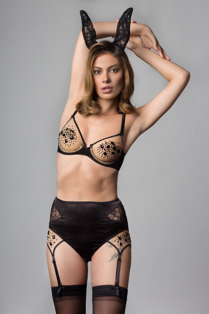 La Lilouche Bridget Underwire Bra (32-34 A-DD, 36 A-D, 38 A-C, 40 A-B) and High-Waist Suspender Knicker (XS-XXL)