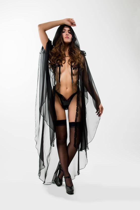 Steph Aman Rasputin Hooded Cloak (one size)
