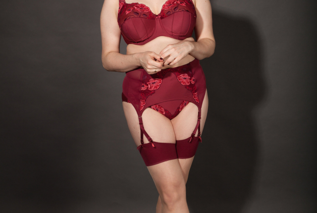 Sweet Nothings reviews Elila Glamour Burgundy. Photo (c) Michi Rezin