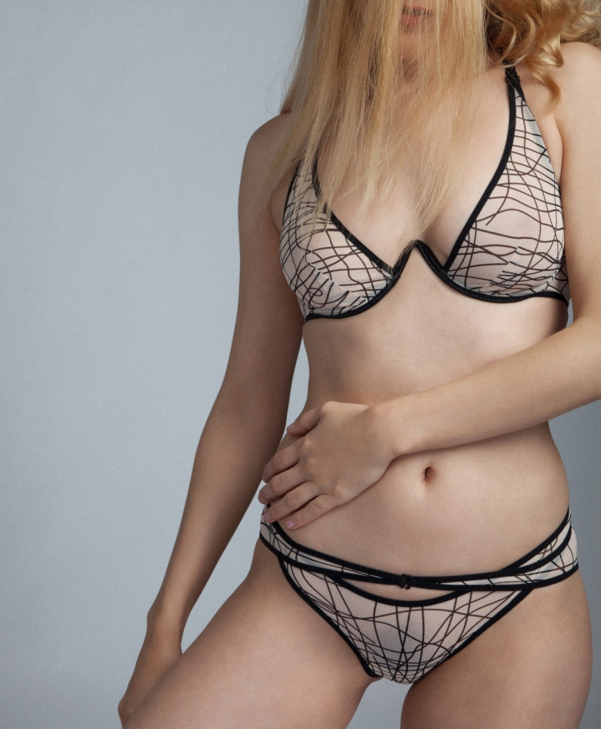Fast Girls monowire bra by la fille d'O