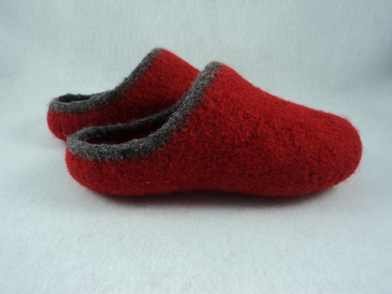 MoniqueRae Women's Scuff Felted Slippers